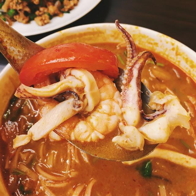 泰式海鮮酸辣湯,滿滿配料