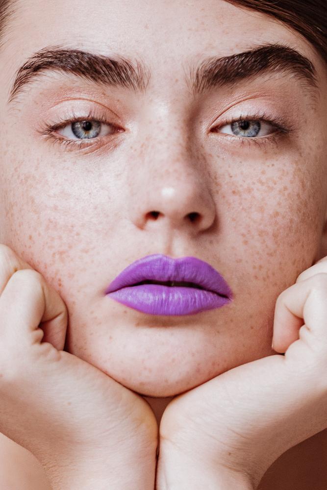 Precise, Bold Lipstick For Spring