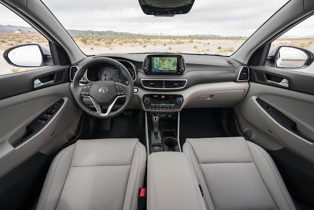 Interior view of 2019 Hyundai Tucson Limited