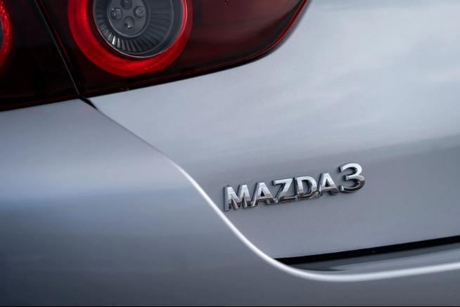 سيارة مازدا 2020 Mazda 3 Skyactiv-X Sport Saloon