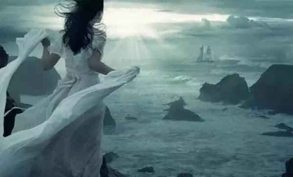 Ό,τι κι αν γινόταν, εκείνη συνέχιζε να προχωράει, σαν να είχε χίλιες ζωές να ζήσει