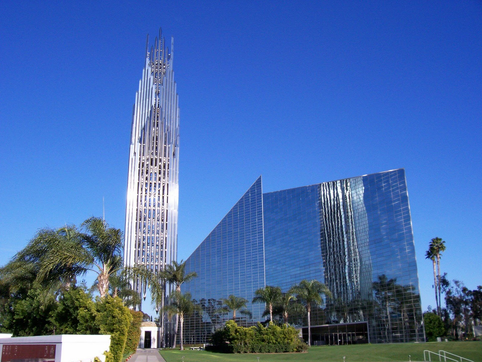 Smooth Amp Savvy Travels The Crystal Cathedral