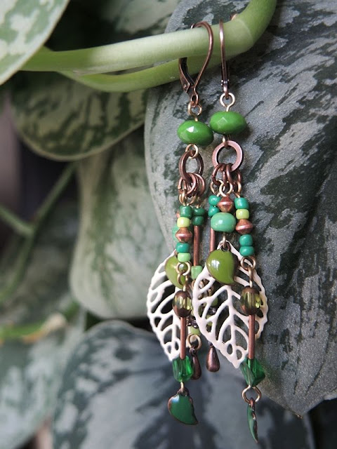 How to make beautiful DIY leaf earrings.