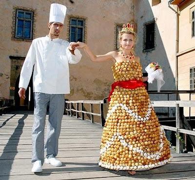 vestido hecho con comida