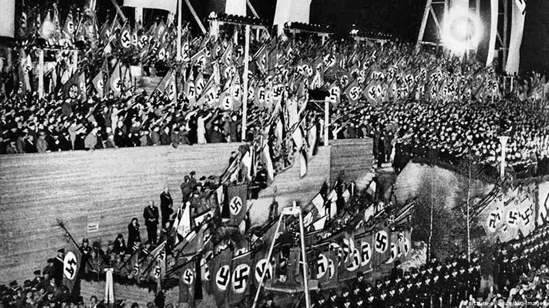 Демонстрация в честь 1 мая. Берлин 1933