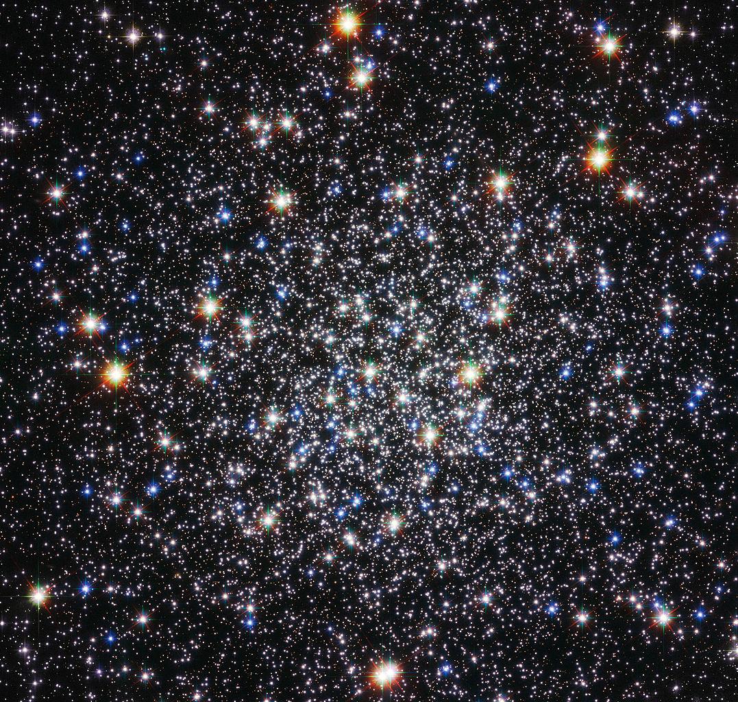 Messier 12. Hình ảnh: ESA/Hubble & NASA.