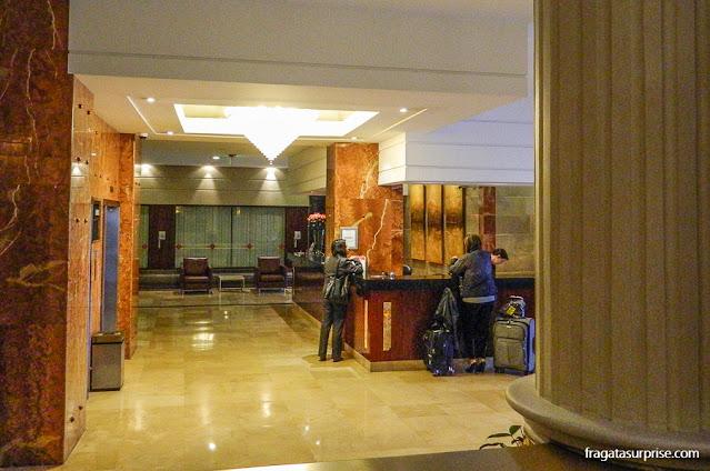 Recepção do Hotel Reina Isabel, La Mariscal, Quito