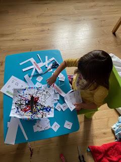 Réalisation du jeu le monstre avaleur de lettres et de chiffres à partir du livre La couleur des émotions