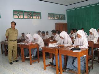 Insentif Bagi Guru Honorer SMA,SMK di Daerah Ini Akan Dinaikkan