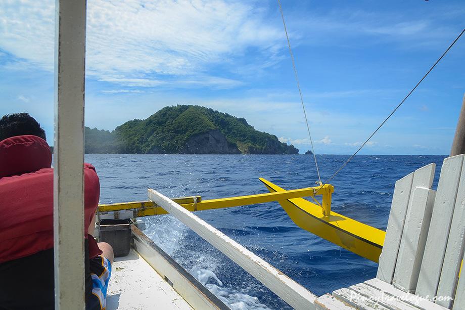 On the way to Apo Island