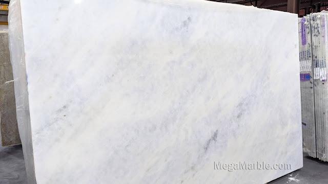 Branco Cintilante - Light Blue Marble