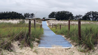 Barrierefreier Strandzugang - Bald Point State Park - Alligator Point, Florida