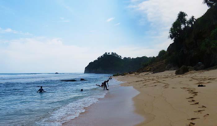 Kawasan Timur Pantai Nampu
