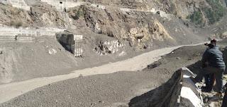 उत्तराखंड: बड़ा ग्लेशियर टूटने से तबाही, 50 लोगों के बहने की आशंका, हरिद्वार तक अलर्ट