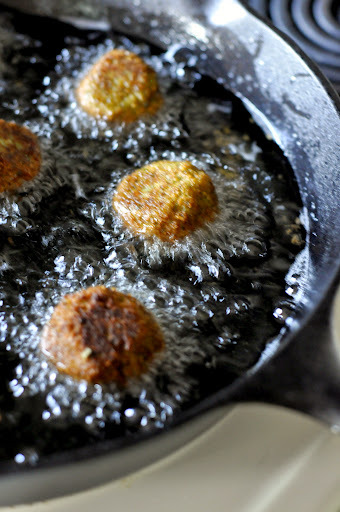 Frying-Homemade-Falafel-tasteasyougo.com
