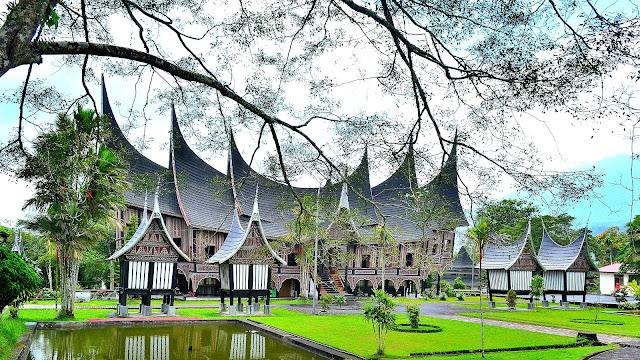 Rumah Gadang Sumatera Barat