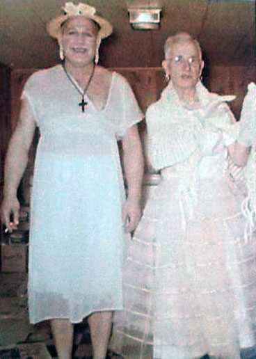 Old school womanless wedding femulators