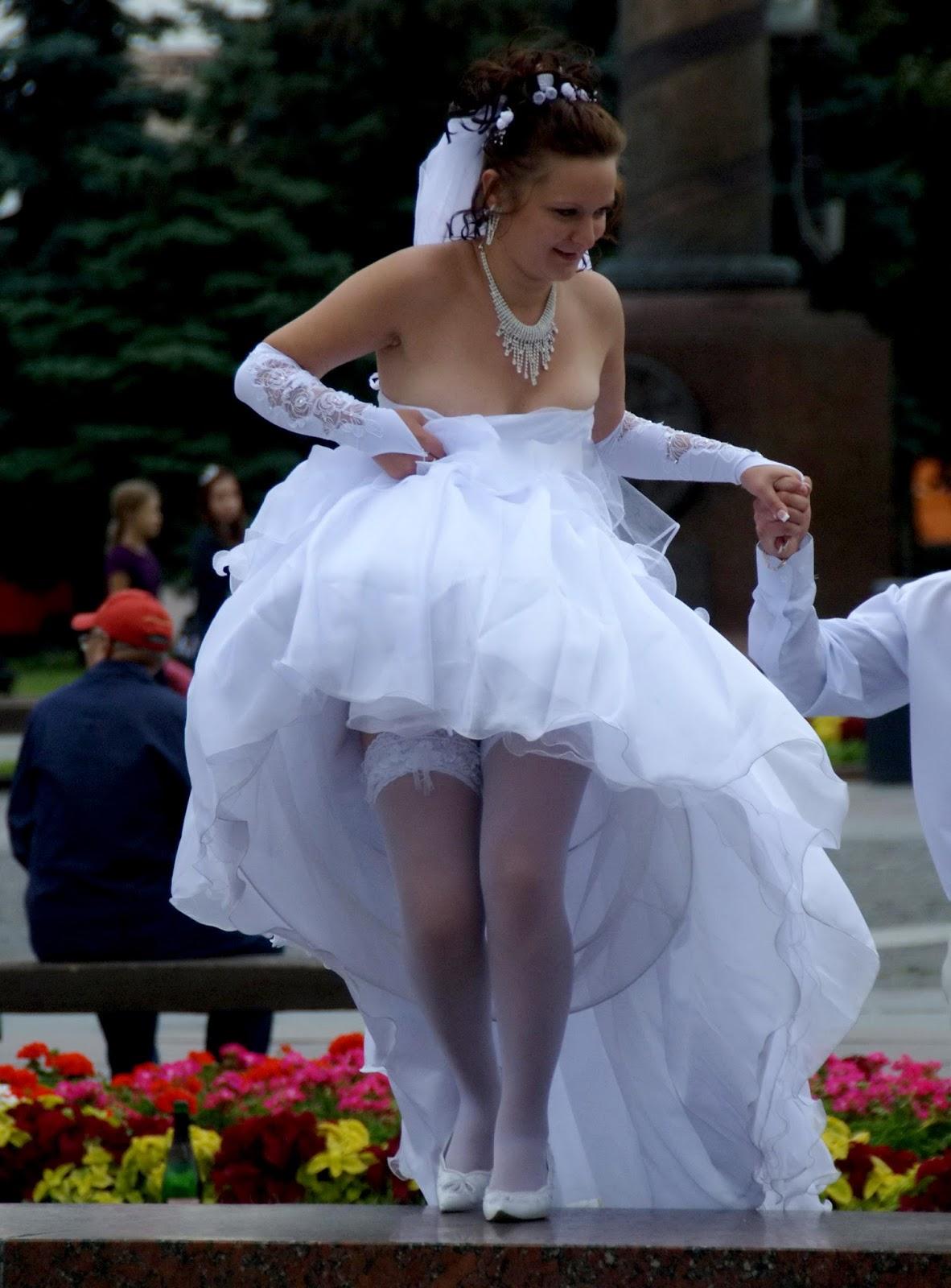 Free Bride Wedding Upskirt