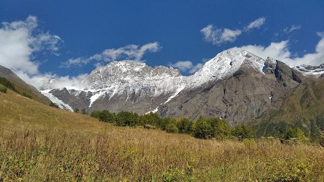 заснеженные вершины Кавказа