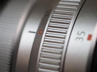 フジノンレンズ XF35mmF2 R WR [シルバー] 非常に綺麗な中古品が買取入荷致しました