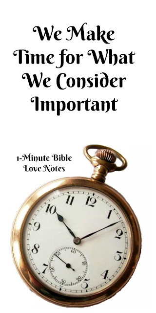 1-minute devotion inspires, encourages, and challenges Christians to prioritize their time with God.
