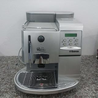 Máy pha cà phê Saeco Royal Cappuccino mặt trước