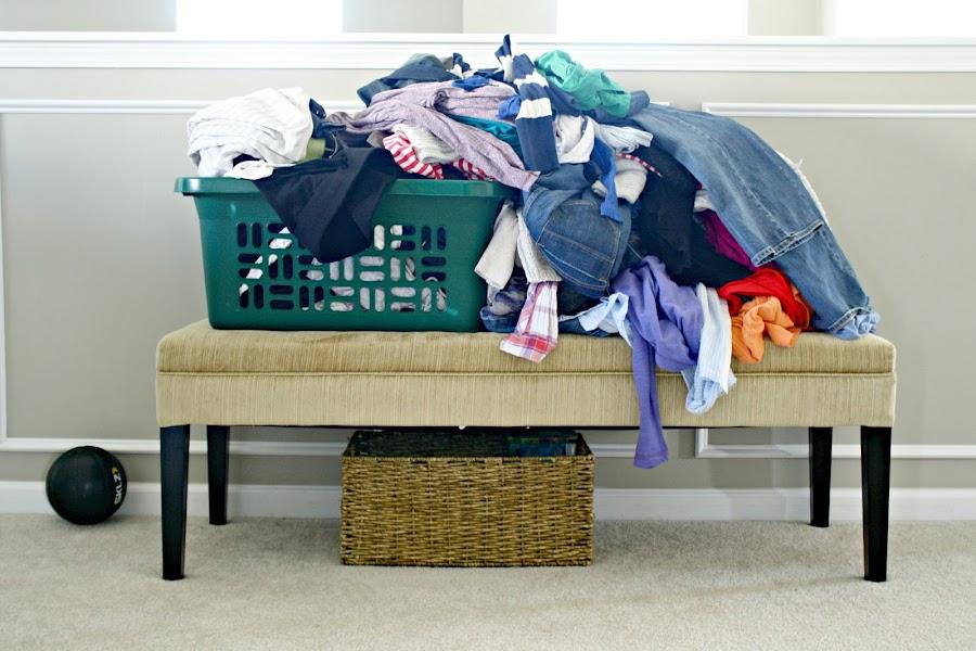 Konmari clothes decluttering