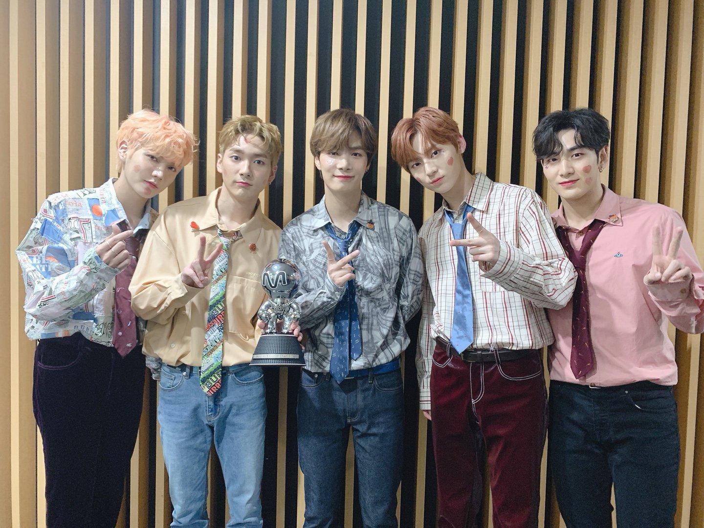 NU'EST Wins The Second Trophy with 'Love Me', Congratulations!