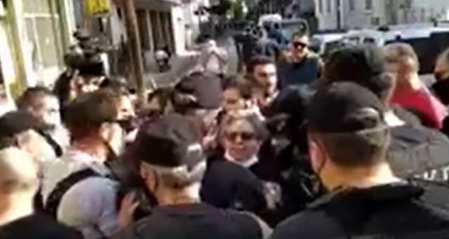 Καρδίτσα / Ένταση μεταξύ αστυνομικών και πολιτών, που θέλησαν να διαμαρτυρηθούν στον Μητσοτάκη – VIDEO