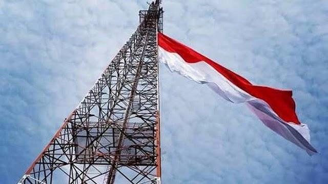 Aksi Heroik Polisi Polres Aceh Utara, Kibarkan Merah Putih Di Atas Tower 60 Meter