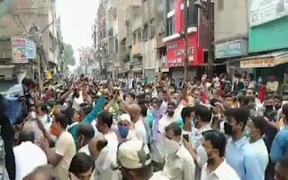 shopkeepers-took-to-the-streets-to-protest-the-lockdown