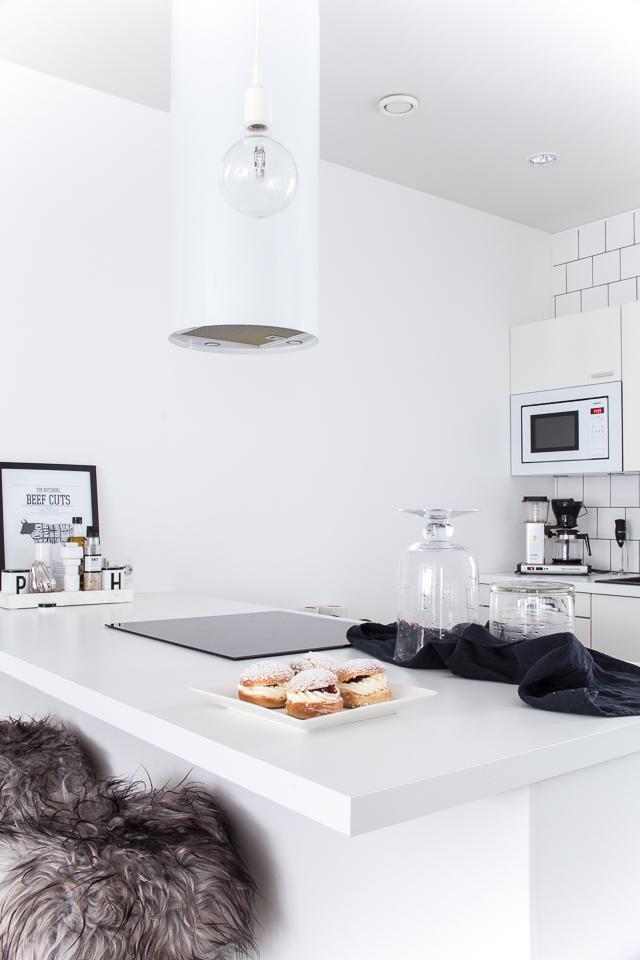 laskiaispullat, keittiö, villa h blogi, valkoinen keittiö