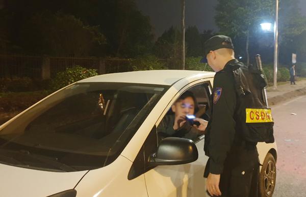 Lào Cai: 1 người vi phạm nồng độ cồn bị phạt 35 triệu đồng, tước giấy phép lái xe 23 tháng