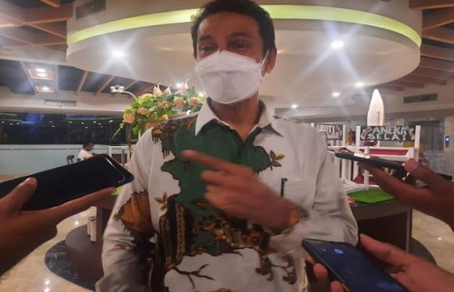 Roy Letrora Sebut Produk Lokal Jadi Pilihan Utama Merchandise PON XX 2021 Papua.lelemuku.com.jpg