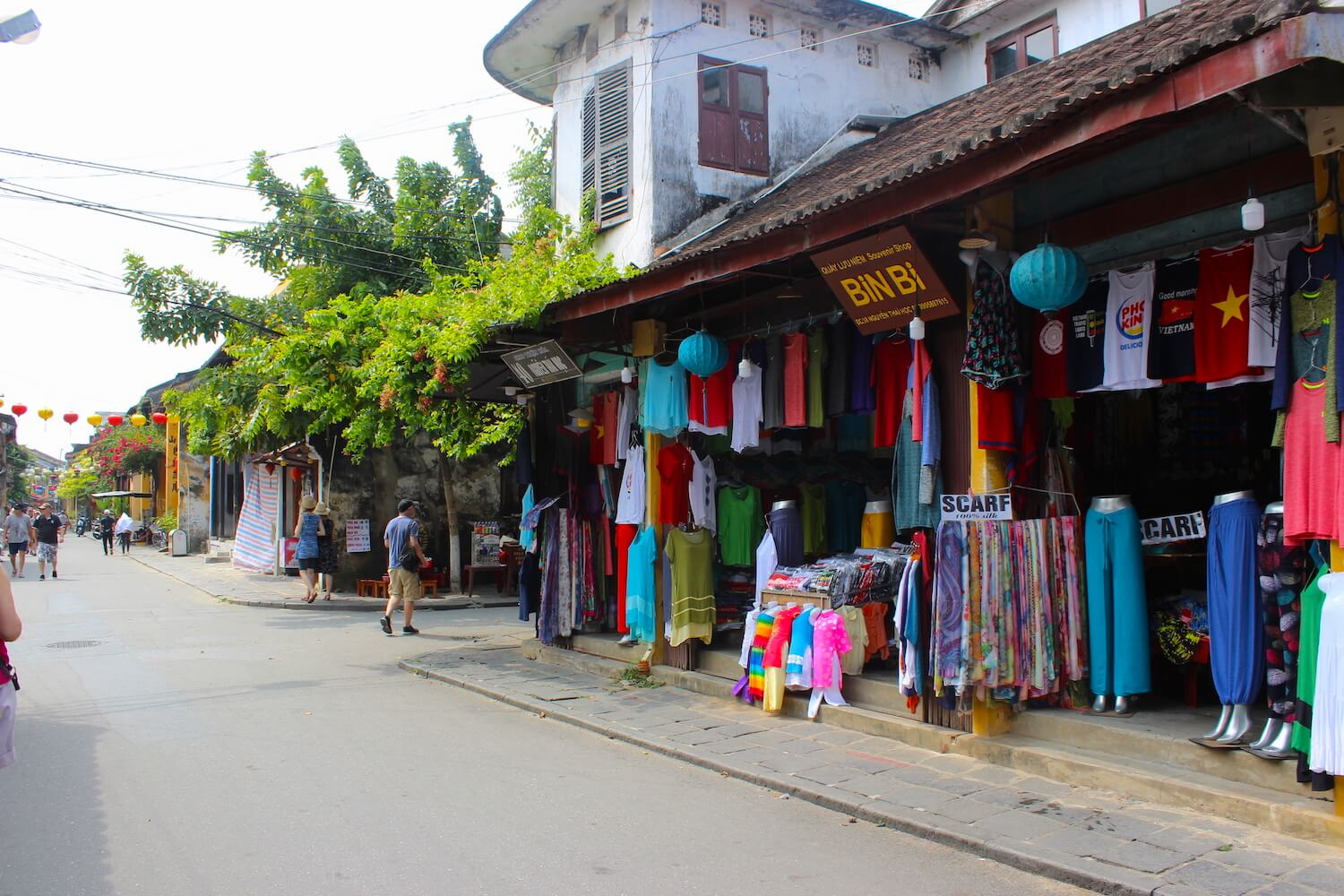 hoi an tailored clothing inside the ancient town