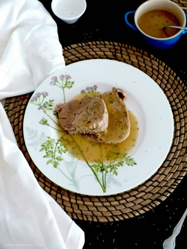 Receta de lomo a la sal en el microondas con salsa de vino, ración