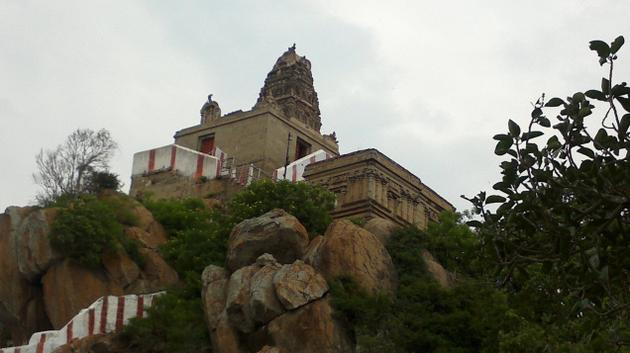 Nainamalai Varadharaja Swamy Temple Namakkal - History, Timings, Festivals & Address!