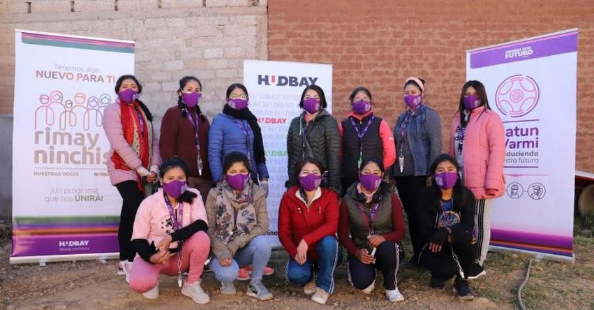 Mujeres de Chumbivilca reciben capacitación como operadoras de maquinaria pesada