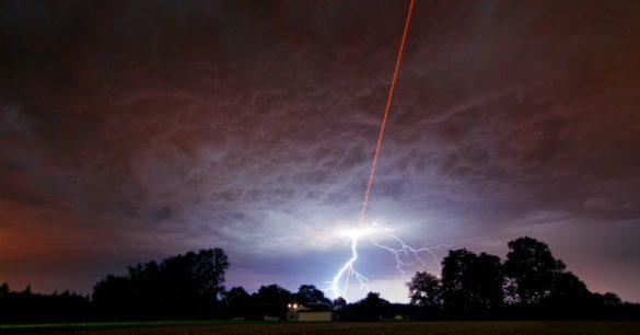 Menembak Awan Dengan SInar Laser Bisa Mencegah Pemanasan Global?