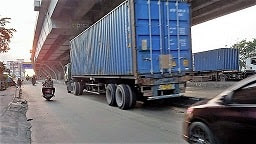 Biaya Tarif Penumpukan Kontainer Dan Tarif Storage Perikemasi di Pelabuhan Laut Jakarta Indonesia