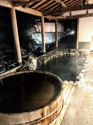 美肌の湯とは?メタケイ酸の多い温泉とは?