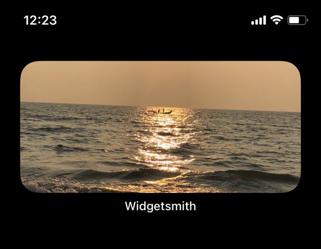 عنصر واجهة الصور على شاشة iPhone الرئيسية