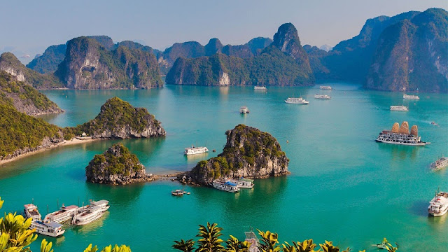 Close-up to Halong Bay and the world's most beautiful natural wonders