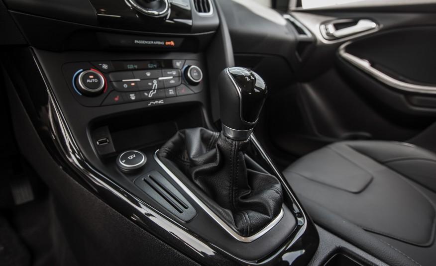 Đánh giá xe Ford Focus 2016