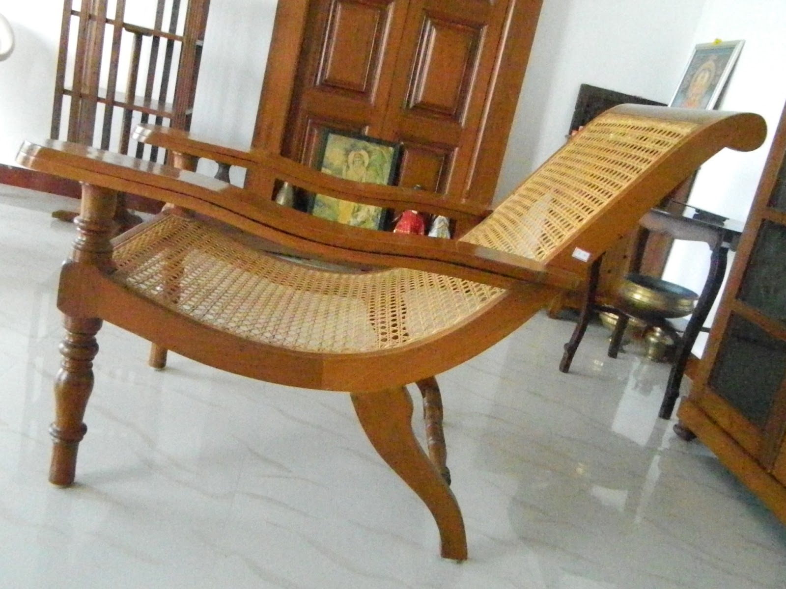 Anugraha Antique Gallery 62easy Chair