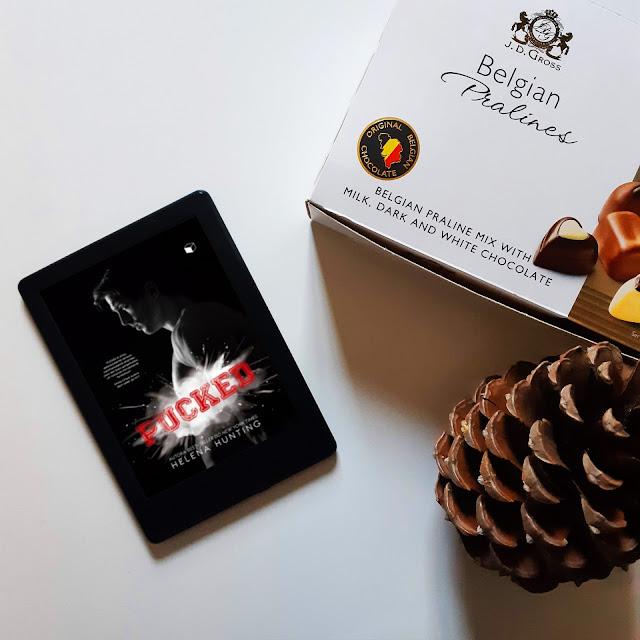 Livro Pucked The Gift Box Editora