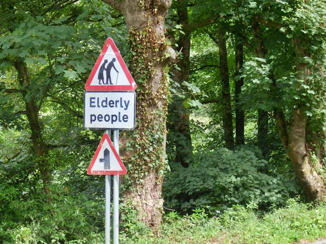 Warning of Elderly People sign just before Menacuddle Holy Wll