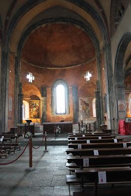 interno sacra di San Michele