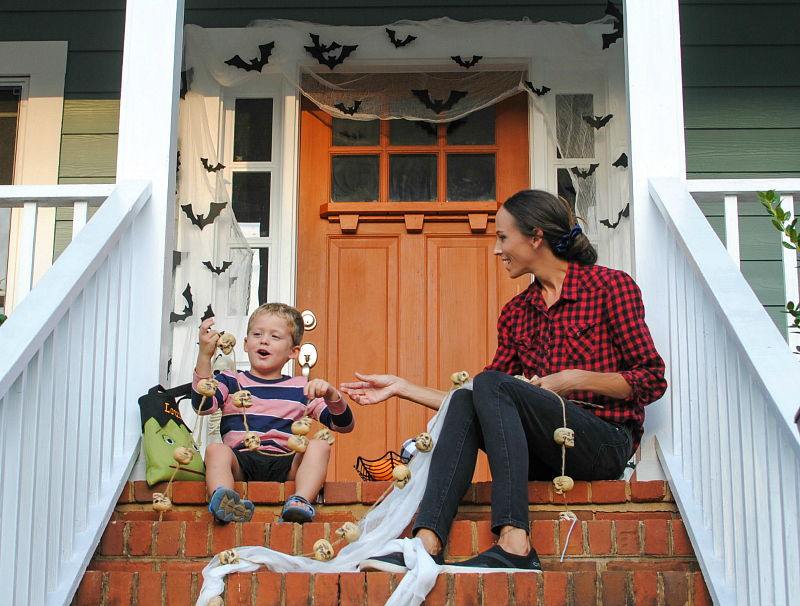 DIY Halloween Porch Decor