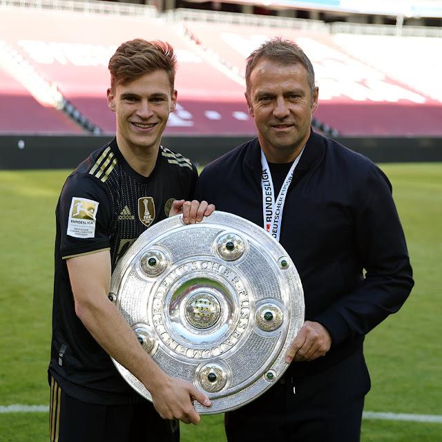 دى ليخت وفليك مع درع الدورى الألماني 2021